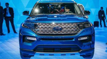 Ford Explorer híbrido 2020 en expo.