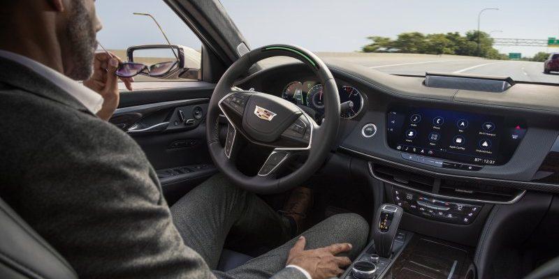 Sistema de navegación autónoma SuperCruise de GM en un Cadillac CT6