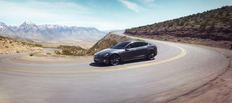 Tesla realiza actualizaciones a la línea Model S para mayor velocidad y rendimiento